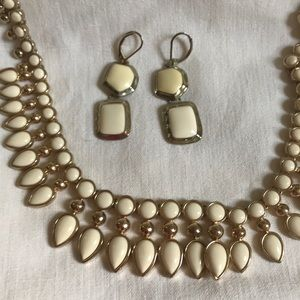 Jewelry - Off White and Gold Necklace With Earrings